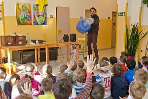 Science Buster in der VS Neufeld, 17.03.2016